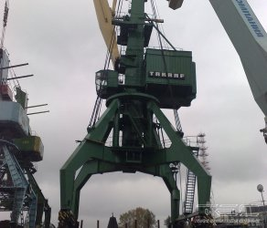 2009 Transportation of cranes on barge 2034