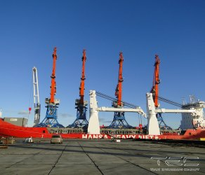 2013 Transportation of gantry cranes on mv